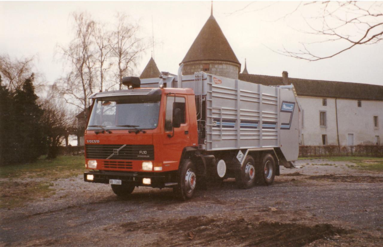 Devant le château de Rolle, fin des années 1980