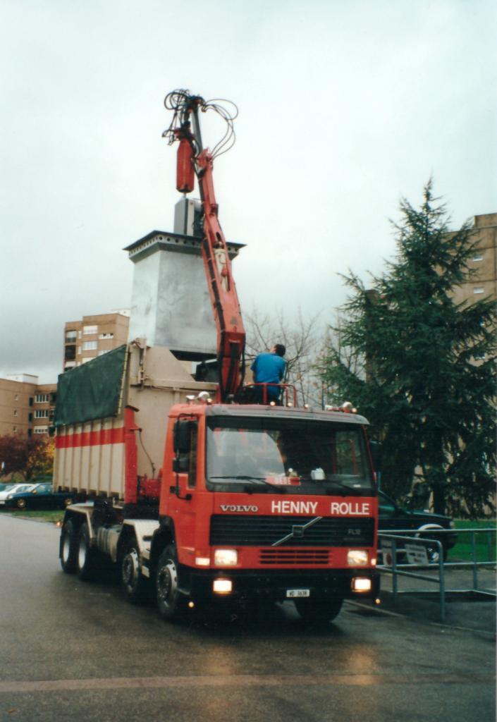 Novembre 2000 : camion-grue en action